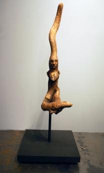 À coeur ouvert (2015) bois, céramique, pigments, socle de bois (50x20x20 cm)